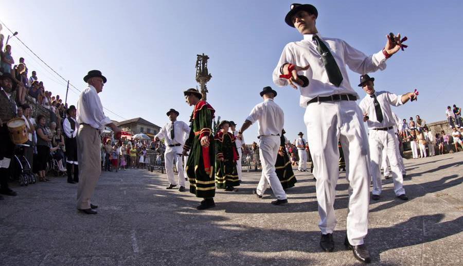 Danza de San Roque en Hío