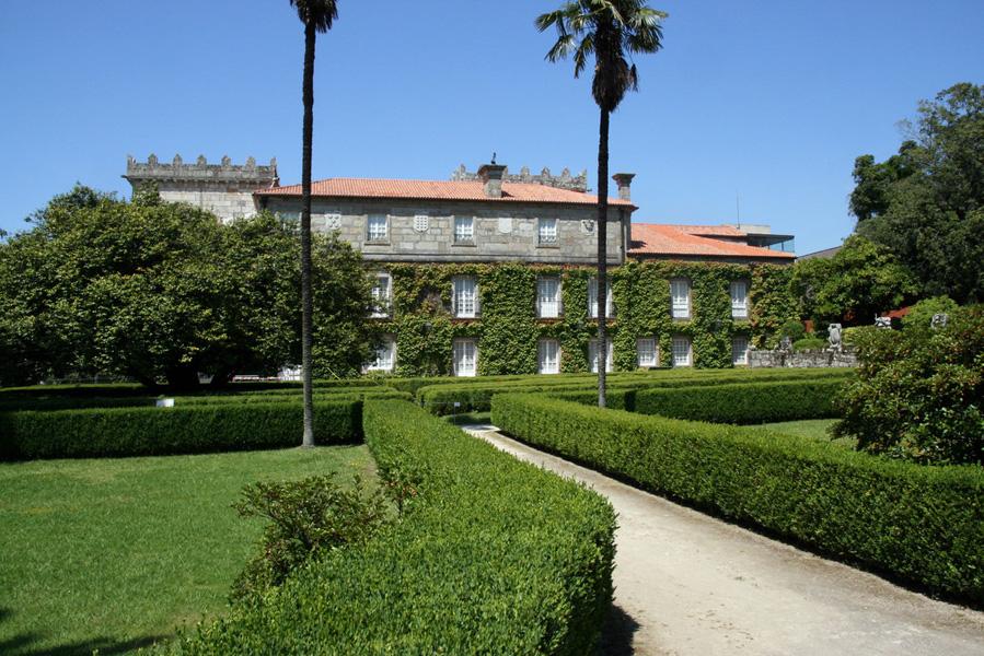 Museo Municipal Quiñones de León