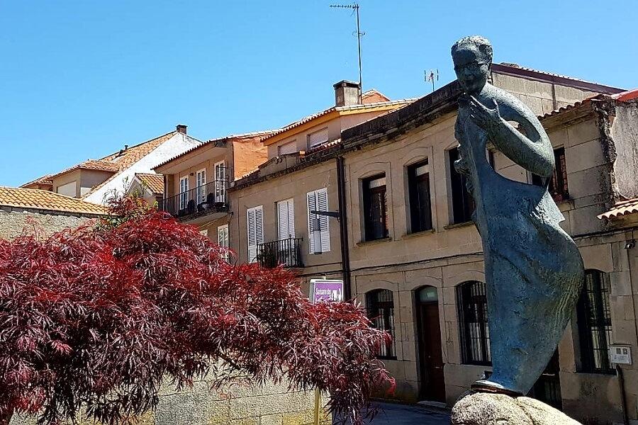 Estatua de Castelao en Pontevedra